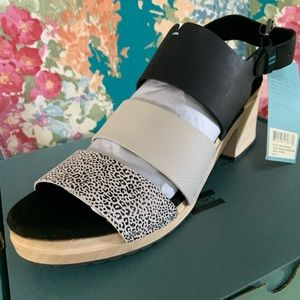 Toms Shoes - TOMS Black Mini Leopard Print Women's Clog Sandal